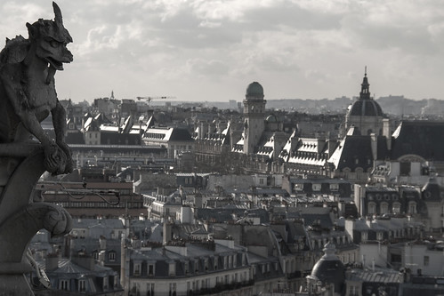 Gargoile & Paris by Papagueno, on Flickr