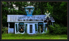 Stagecoach Stop USA (the Gallopping Geezer 3.3 million + views....) Tags: park abandoned canon closed decay michigan faded stop worn amusementpark decayed stagecoach geezer irishhills 2013 tonemap stagecoachstop