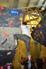 INT_9990 (WK photography) Tags: guelph competition climbing bouldering grotto rockclimbing ubs chalkbag rockshoes guelphgrotto universityboulderingseries