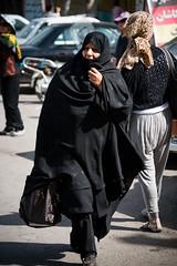 (dawvon) Tags: world street travel people nikon asia iran middleeast culture streetphotography pedestrian nikkor kashan isfahan lenses kachan chador   fmount islamicrepublicofiran isfahanprovince westernasia esfahanprovince  kshn chdor chdar afsnikkor24120mmf4gedvr  persia