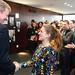 GEWOBA-Vorstandsvorsitzender Peter Stubbe gratuliert Stefanie Sempert, Gewinnerin im Wettbewerb \