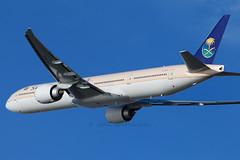 HZ-AK15 SAUDIA ARABIAN 777 (john smitherman-http://canaviaaviationphotography.) Tags: heathrow saudi boeing 777 lhr egll saudiaarabia saudiarabian hzak15