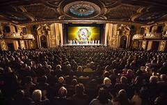 3月1日下午,神韵世界艺术团在波士顿的花旗表演艺术中心王安剧院上演的第二场演出满场,吸引了这座文化名城的许多文化艺术界人士前来观赏。他们被这台以精湛的技艺演绎出的博大中华传统文化精髓的晚会所倾倒。