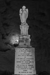 Casier, Monument to the fallen 1915-1918 (Nicola Franzoso Naio) Tags: monument canon canon7dmarkii sigma war worldwari sigma1020mmf35 night light lightpanting casier treviso italy buildings sky bw blackandwhite monocrom monocromo