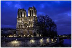 Notre-Dame de Paris (jacques-tati) Tags: notredame îledelacité paris cathédrale style gothique france europe fujifilm finepix x100
