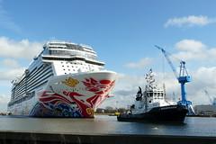Norwegian Joy - 挪威喜悅號 (achatphoenix) Tags: norwegianjoy 挪威喜悅號 meyerwerft papenburg ems riverems bremerhaven transfer emsüberführung