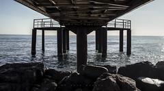 INSIDE THE BEAST (oroyplata.) Tags: beast arquitecture pasarela pier xilxes castellón valencia horizonte playa beach rocas landscape amanecer solitario rafamacías oroyplata