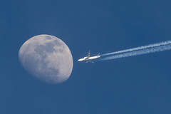 Lunar Landing (DP Photography) Tags: moon plane airplane aeroplane lunar eaglehaslanded lunarlanding moonplane planetomoon