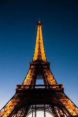 La tour Eiffel (kenawy.nl) Tags: paris france tower night lights eiffel twoer