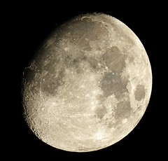 20131015 22-20-00 Moon +12 (Roger Hutchinson) Tags: moon astrophotography astronomy