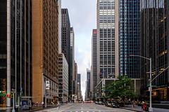 New York (Edi Bähler) Tags: architektur aussenaufahme bigapple brands fassade gebäude hochhaus nyc newyorkcity newyorkstate pflanze siedlung stadt strassenschlucht ubs usa unitedstatesofamerica wolkenkratzer architecture building city facade highrise outdoor plant skyscraper newyork vereinigtestaaten nikond3 2470mmf28