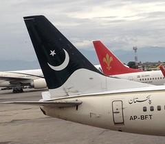 IMG_1010 (cashy2011) Tags: pakistan airport planes pia 737 islamabad