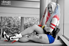IMG_6629 (Neil Keogh Photography) Tags: blue red white black belt gun highheels boots cosplay top gloves bracelets dccomics pigtails spikes harleyquinn hotpants baseballbat suicidesquad mcmcomicconmanchester2015