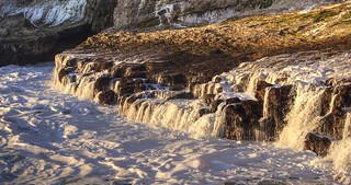 Cascades of receding waves