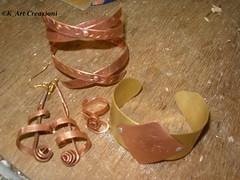 parure_metallo modellato e cesellato