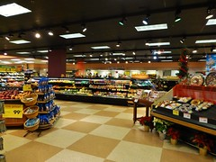 Buckeye Village Giant Eagle (Nicholas Eckhart) Tags: ohio food usa retail america mall us place market supermarket oh grocery stores alliance gianteagle themarketplace franchised 2013 buckeyevillagegianteagle