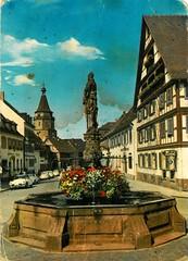 Germany - Gengenbach - 1971 - front (Ye-Di) Tags: church vw germany volkswagen deutschland 1971 postcard beetle ds citron 70s 1000 marktplatz autounion kfer fachwerkhaus badenwrttemberg ansichtskarte gengenbach diegttin worldcars