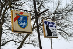 Wolff's Tavern (Cragin Spring) Tags: winter snow beer sign bar illinois midwest oldstyle il tavern piwo beersign oldstylebeer lakecountyil wolffstavern