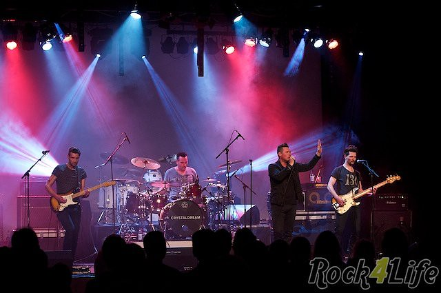 Crystal Dream U2 tribute (16)
