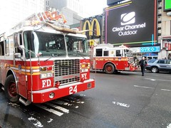 FDNY Ladder 24 & Engine 1 (MJ_100) Tags: city usa newyork america truck us state manhattan firetruck midtown fireman firemen ferrara ladder firefighter fdny firedepartment firefighters firebrigade fireservice ladder24 truck24