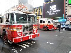 FDNY Ladder 24 & Engine 1 (MJ_100) Tags: city usa newyork america truck us state manhattan firetruck midtown fireman firemen ferrara ladder firefighter fdny firedepartment firefighters firebrigade fireservice ladder24 truck24