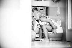 OF-Ensaio-2anosMariaClara-53-2 (Objetivo Fotografia) Tags: sol gua piscina infantil cachorro vero livro cama menina dormir pai bia me banheiro banho pais almoo brincadeira calor mariaclara mamadeira leitura escondeesconde penico umdia manfroi felipemanfroi eduardostoll dudustoll ensaioinfantil estdioobjetivo objetivofotografia acompanhamentode1dia