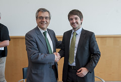 José Viegas and Cristian Bowen shaking hands