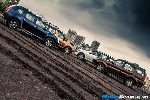 2015-Mahindra-XUV500-vs-Skoda-Yeti-vs-Tata-Safari-Storme-vs-Renault-Duster-AWD-22