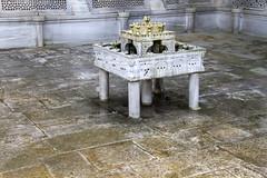 IMG_8840 (storvandre) Tags: travel history turkey site mediterranean istanbul turismo viaggio turkish sultanahmet turchia santasofia storvandre