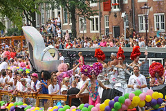 Gay Pride 2015 Amsterdam (Netherlands) (Meteorry) Tags: girls party people holland male boys netherlands amsterdam female freedom boat canal europe ship fiesta centre crowd nederland august center parade queens musical rights lgbt prinsengracht gaypride fte bateau festa paysbas centrum civilrights canalparade priscilla noordholland gracht canalpride 2015 meteorry amsterdampride priscillaqueenofthedesert