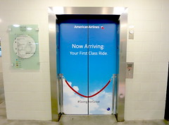 Retail, American Airlines at H&H, Elevator Graphics