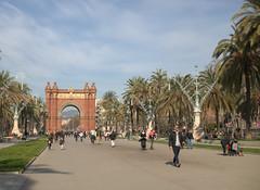 arc de triomphe (moscouvite) Tags: heleneantonuk espagne barcelone voyage sonydscrx100m2