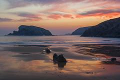 egunsentia_amancer_sunrise (Ainara Garcia) Tags: beach hondartza playa arnía cantabria coast ocean rocas rocks amanecer egunsentia sunrise sky cielo agua ura water arena sand isla