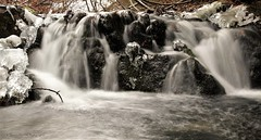 Cascade aux glaces / Icy cascade (deplour) Tags: chutes falls cascade eau water glace ice inexplore explore explored explorer
