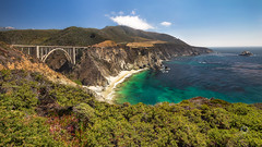 Bixby Bridge Pano (Explored) (Thilo S.) Tags: bixbybridge highway no one 1 mountains pacific road big sur california usa us landscape mountain gras bäume grün green outdoor wasser landschaft hügel sky waterfall blue sea deep coast ocean meer west ufer küste strand felsen schwimmen westcoast bixby bridge beach