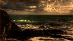 Mare mosso, molto mosso..... (leon.calmo) Tags: canon nuvole mare winner livorno onda vincitore coppadeicampioni eos50d castellodelboccale leoncalmo campionatodifotografia mareggiatatramonto