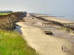 Happisburgh, Norfolk (Ian Gedge) Tags: uk sea england beach coast britain norfolk cliffs erosion happisburgh