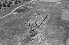 Quwelbeh/ Abila (APAAME) Tags: blackandwhite archaeology ancienthistory middleeast airphoto aerialphotography scannedfromnegative abila aerialarchaeology gweilbeh jadis2323003 megaj2762 quweilbeh قويلبة