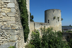 Gisors, chteau fort (Ytierny) Tags: france horizontal architecture construction pierre enceinte normandie ville militaire forteresse muraille eure dfense edifice donjon chteaufort gisors ytierny