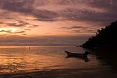 Haad Salat, Koh Phangan (Terra eVita) Tags: ocean trip travel viaje sunset sea sun holiday beach nature water landscape thailand island bay boat sand nikon scenery asia southeastasia honeymoon playa beachlife ao kohphangan koh isla gulfofthailand suratthani haad southernthailand haadsalat