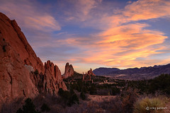 Garden Sunset (craig goettsch) Tags: sunset sky mountains nikon colorado rocks gardenofthegods coloradosprings d610 nikkor85mmf18g