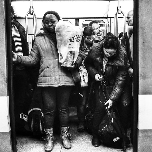 Embarquement #mtl #montreal #quebec #stm #metro #people #urban #bw #transport #snapseed
