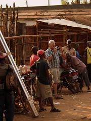 Auf dem Markt von Gurue in Mosambik