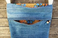 Sac-pochette en lin et jean (chabronico) Tags: bag quilt jean lace sac indigo coton lin patchwork dentelle batik pompon
