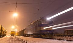 "20"" (BackOnTrack Studios) Tags: winter light snow electric loco cargo class bulgaria locomotive effect ea 46 060 033 bdz le5100 voluyak"