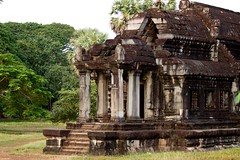 Right Library of Angkor Wat (Patumraat) Tags: world old travel holiday building tourism architecture wonder thailand temple ancient cambodia vishnu god religion ruin culture buddhism siem classical civilization wat hindu asean reise reab