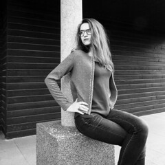 © Marion Le Bert • Autoportrait N&B (Marion Le Bert) Tags: autoportrait mayenne france portrait woman paysdelaloire fr blackandwhite marionlebert marionlbphoto outdoor selfportrait