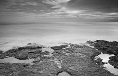 Horizonte en calma (Photandr) Tags: playa longexposure rocas rocks seascape sea beach azohía murcia españa clouds nubes cielo calma quietud tranquilidad horizonte relax cokin