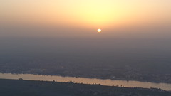 Sunrise over the Nile (Rckr88) Tags: luxor egypt africa travel sun sunrise over nile sunriseoverthenile sky sunlight nileriver thenileriver rivers river water hot air hotairbaloons hotairbalooning baloons balooning baloon