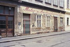 maler- u anstreichermeister (flyerkat_L.E.) Tags: vienna city film analog kodakultramax400 nikon fm2